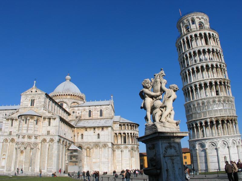Падающая башня в Пизе