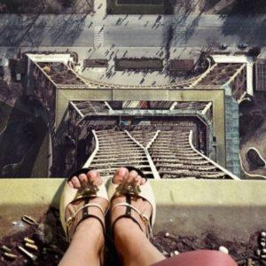 Самоубийцы на Эйфелевой башне
