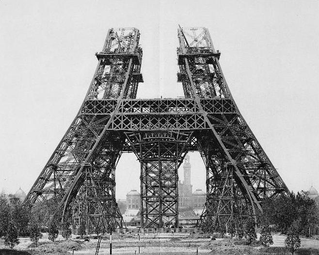 Этапы строительства Эйфелевой башни