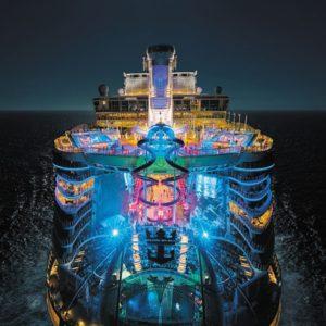 Harmony of the Seas ночью