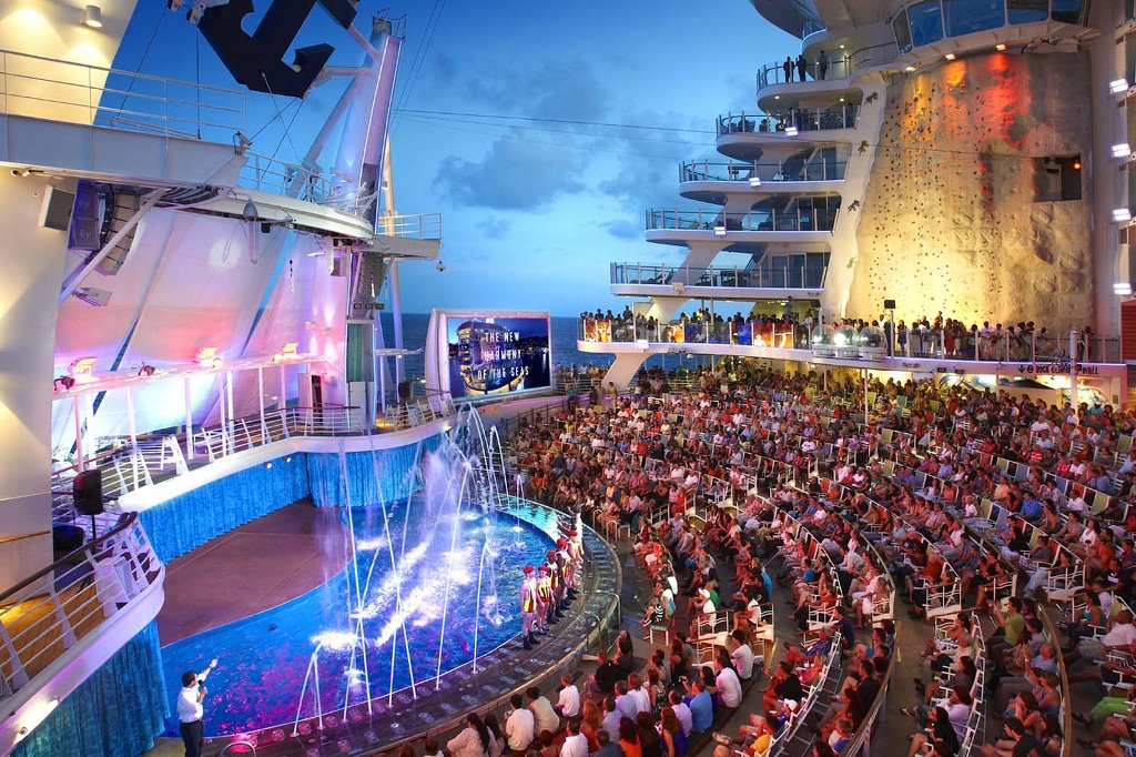 Акватеатр в Harmony of the Seas