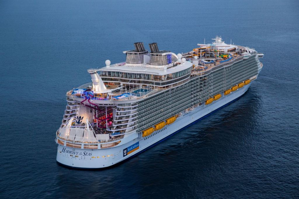 Harmony of the Seas в море