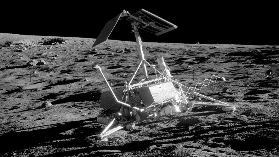 Мусор на Луне