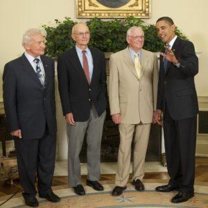 Барак Обама с космонавтами
