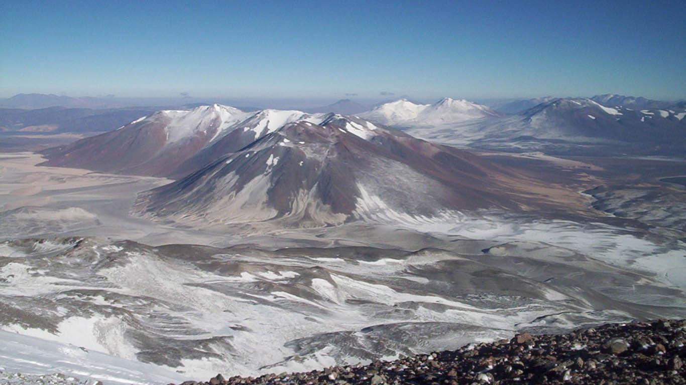 Самый большой вулкан на Земле — солёные глаза Южной Америки
