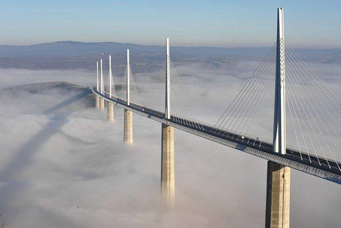 Виадук Мийо во Франции — самый высокий мост на планете