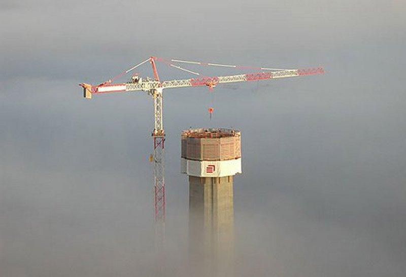 Строительство моста Мийо.